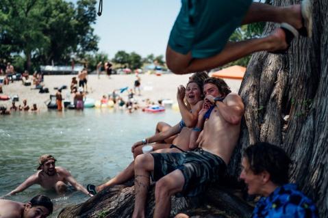 Float Fest Sunday-13